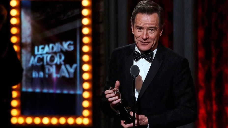 Bryan Cranston recebeu o Tony de melhor ator em peça