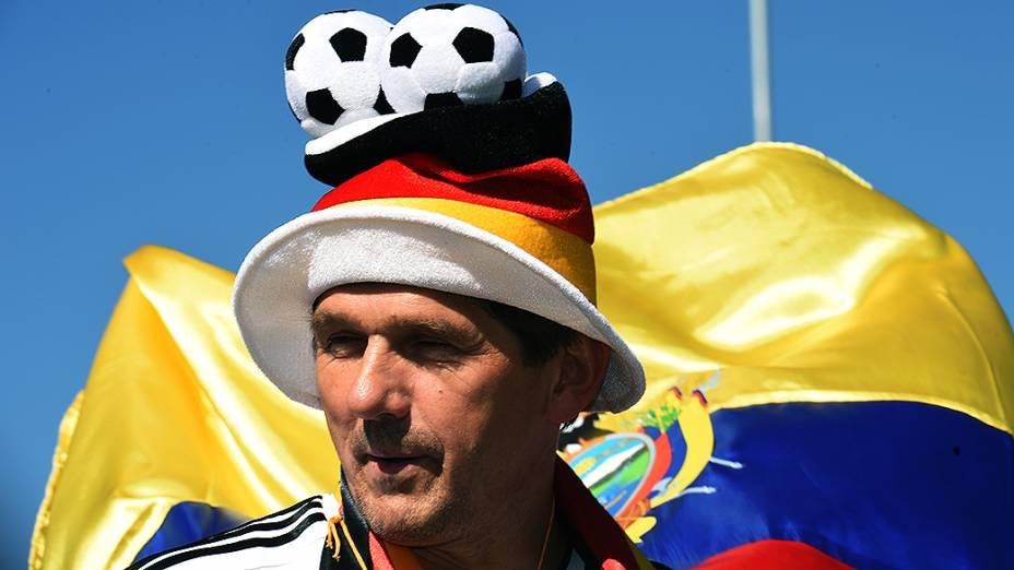 Torcedor da Alemanha chega para a abertura da Copa no Itaquerão, em São Paulo