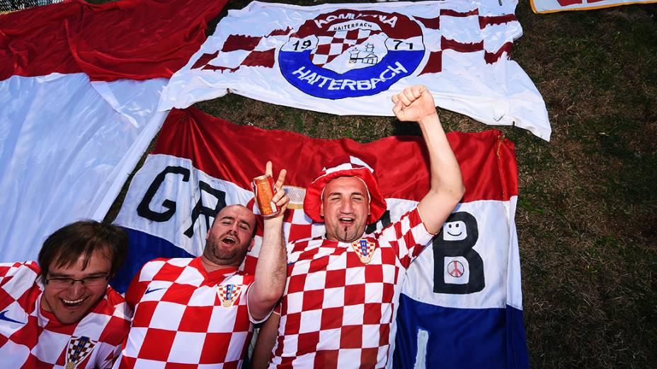 Torcedores da Croácia vibram antes da abertura da Copa no Itaquerão, em São Paulo
