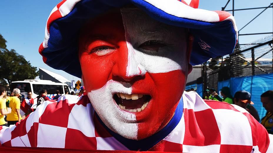 Torcedor da Croácia chega para a abertura da Copa no Itaquerão, em São Paulo