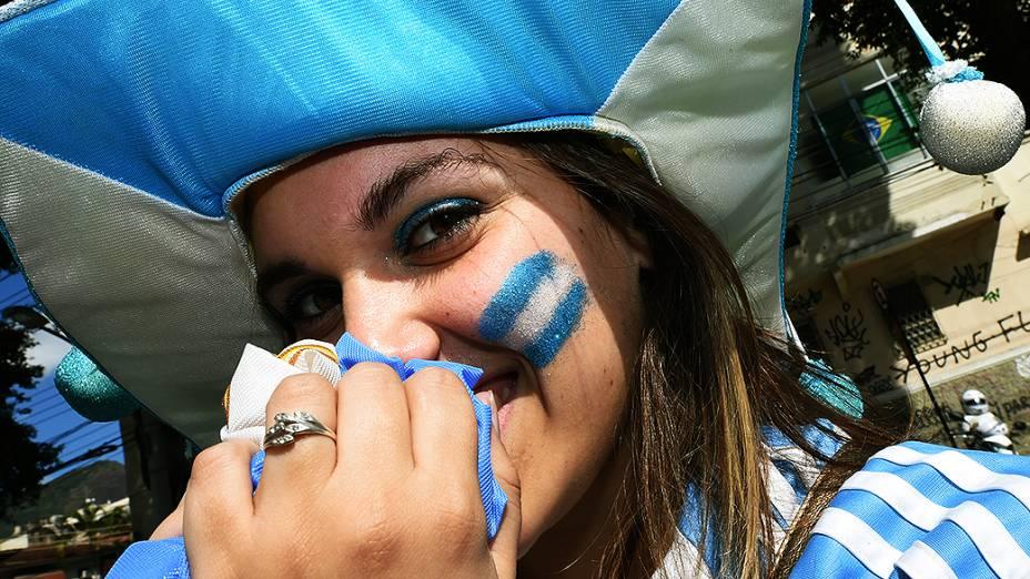 Torcedora argentina chega no Maracanã para a final da Copa contra a Alemanha, no Rio