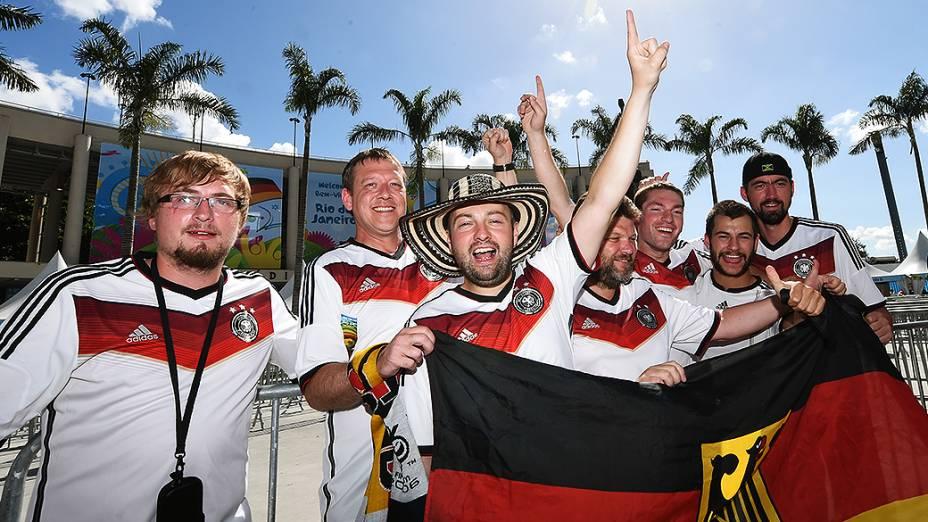 Torcedores da Alemanha chegam no Maracanã para a final da Copa contra a Argentina, no Rio