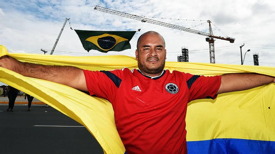 Torcedores antes da partida entre Brasil e Colômbia, em Fortaleza