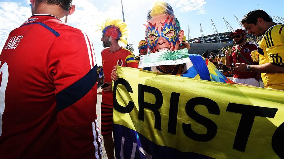 Torcida colômbiana chega no Castelão para o jogo contra o Brasil, em Fortaleza