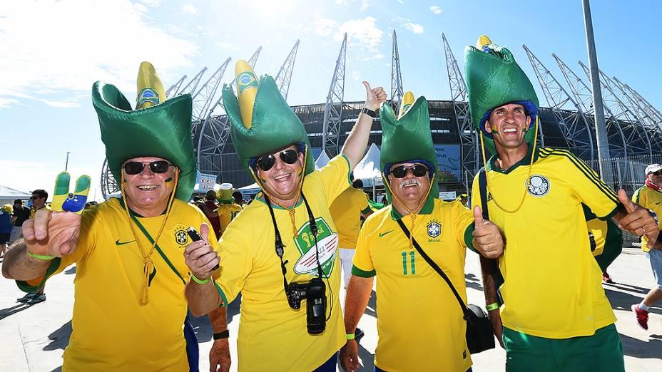 Torcedores do Brasil chegam no Castelão para o jogo contra a Colômbia, em Fortaleza
