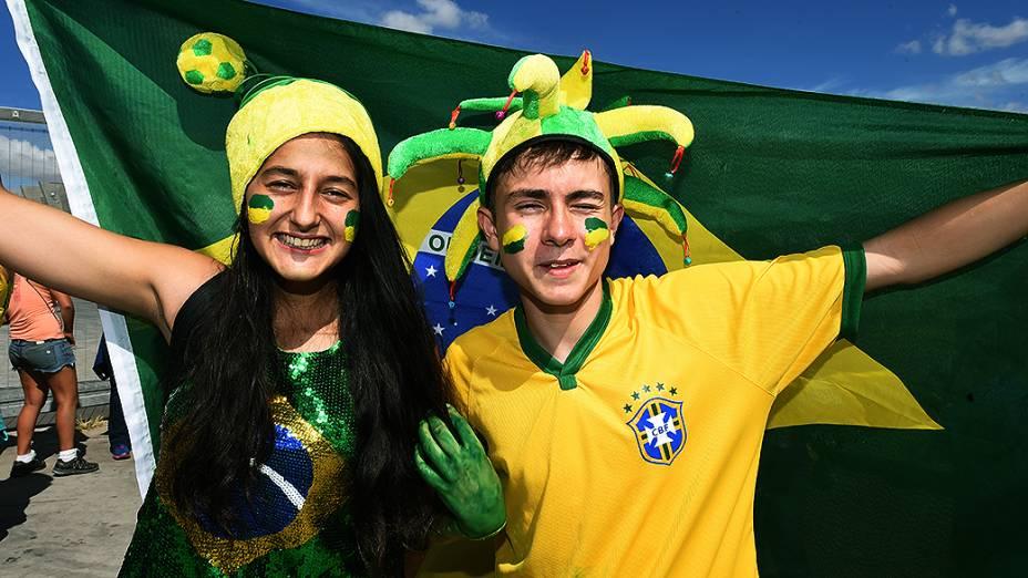 Torcedores do Brasil na chegada para a partida contra a Alemanha no Mineirão, em Belo Horizonte