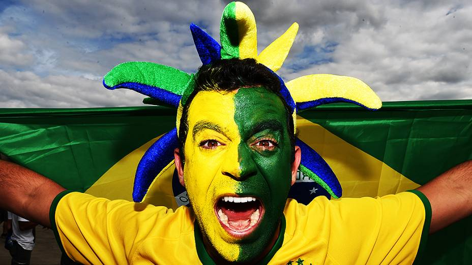 Torcedor do Brasil chega para o jogo contra a Alemanha no Mineirão, em Belo Horizonte