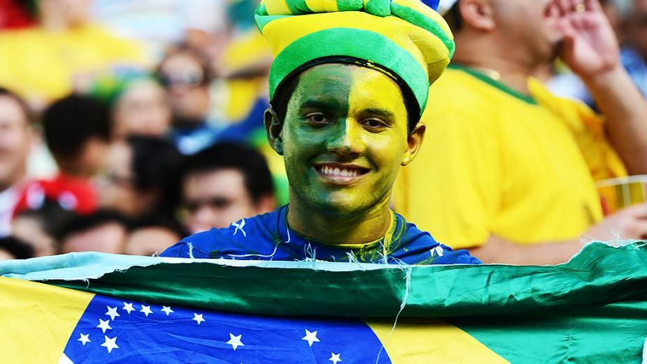 Torcida brasileira comparece ao Castelão para partida entre Brasil e México, pela Copa das Confederações, nesta quarta-feira (19), em Fortaleza