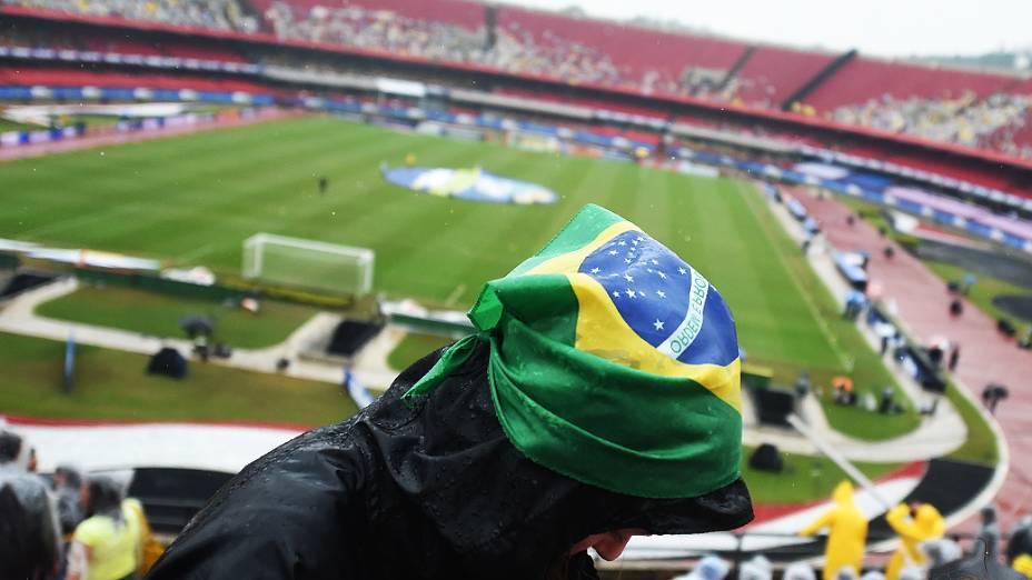 Forte chuva atinge o estádio do Morumbi antes do amistoso entre Brasil e Sérvia, em São Paulo