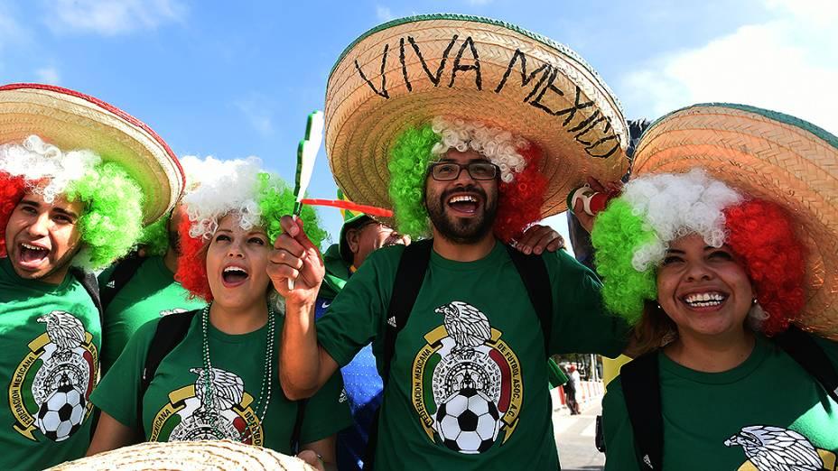 Torcedores do México chegam ao Itaquerão, em São Paulo