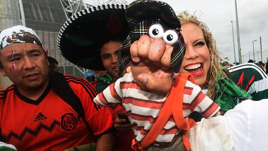 Torcedores do México chegam no Castelão, em Fortaleza