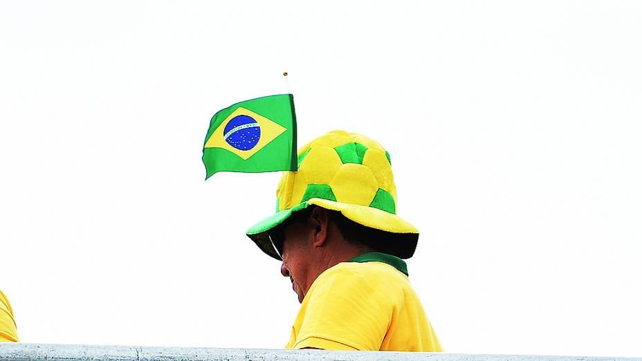 Torcida brasileira chega para o jogo contra o México no Castelão, em Fortaleza