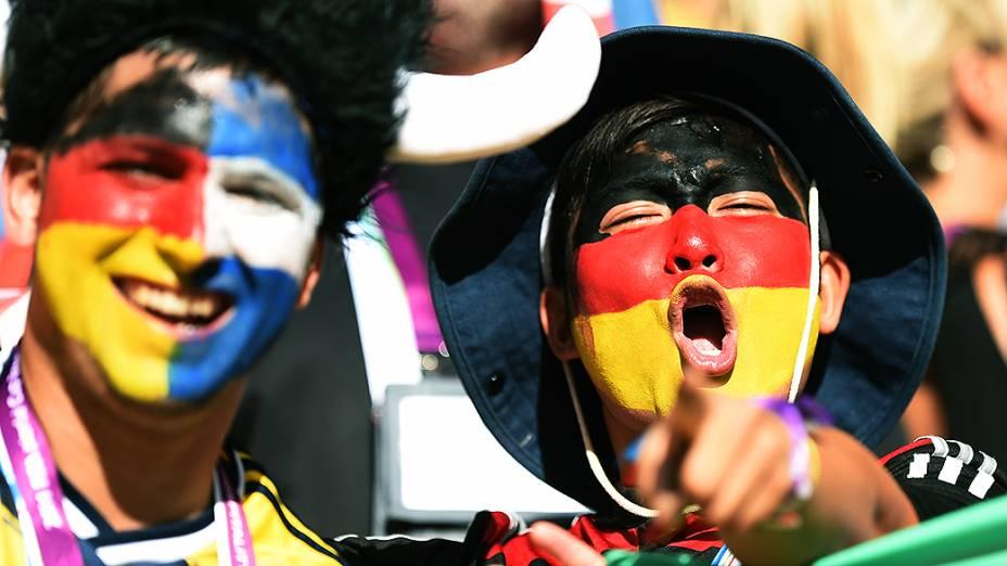 Torcida aguarda o início da final da Copa entre Alemanha e Argentina no Maracanã, no Rio