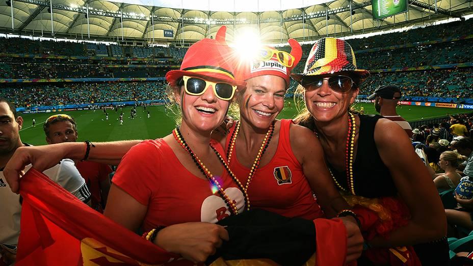 Torcida da Bélgica comparece no jogo contra os Estados Unidos na Arena Fonte Nova, em Salvador