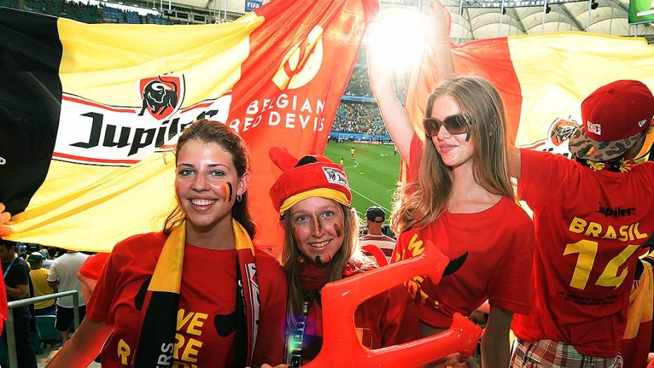 Torcedoras da Bélgica durante o jogo contra os Estados Unidos na Arena Fonte Nova, em Salvador