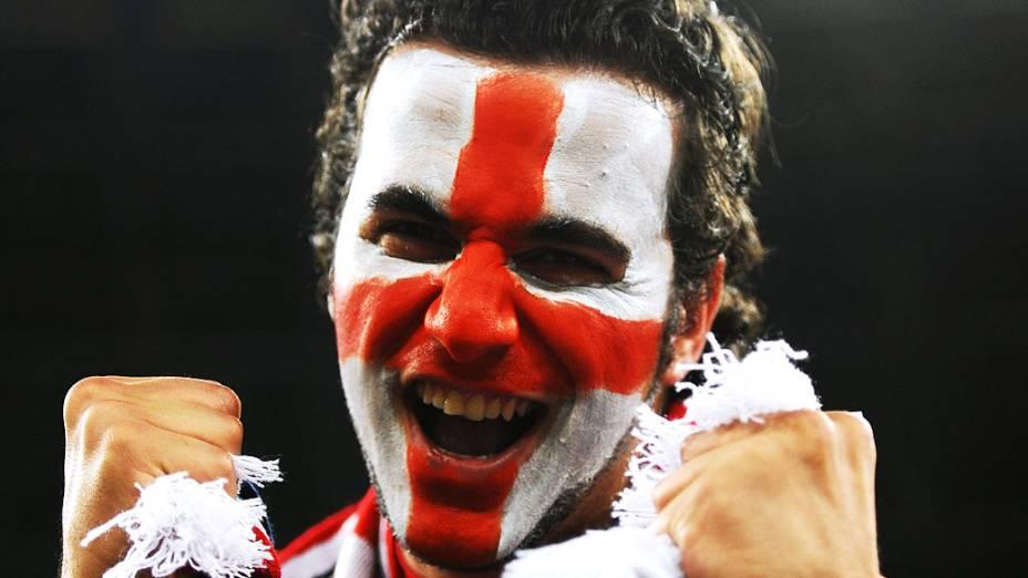 Torcedor inglês antes da partida contra a Ucrânia, válida pela 3ª rodada da Eurocopa 2012