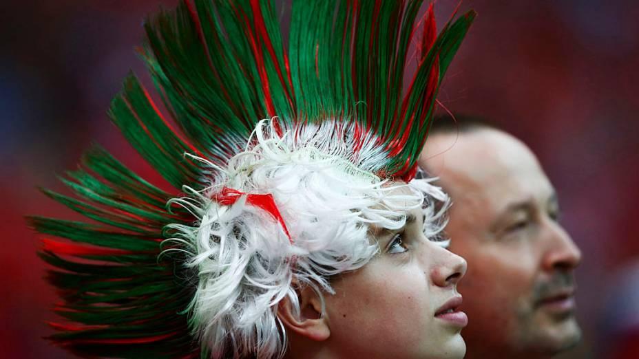 Torcedores portugueses aguardam início da partida contra a República Checa válida pelas quartas-de-final da Eurocopa 2012