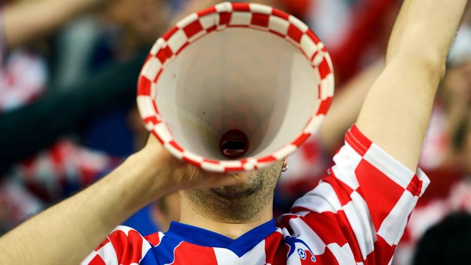 Torcedor croata durante partida contra a República da Irlanda, em Poznan, Polônia