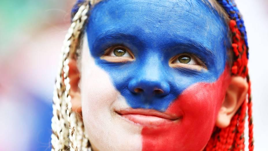 Torcedora durante partida entre Grécia e República Checa válida pela Eurocopa 2012