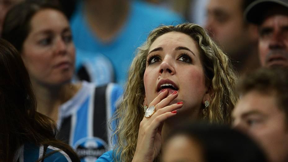 Torcida feminina do Grêmio comparece na inauguração da Arena, em Porto Alegre