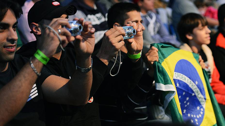 Fãs do UFC assistiram à pesagem em Jaraguá do Sul (SC)