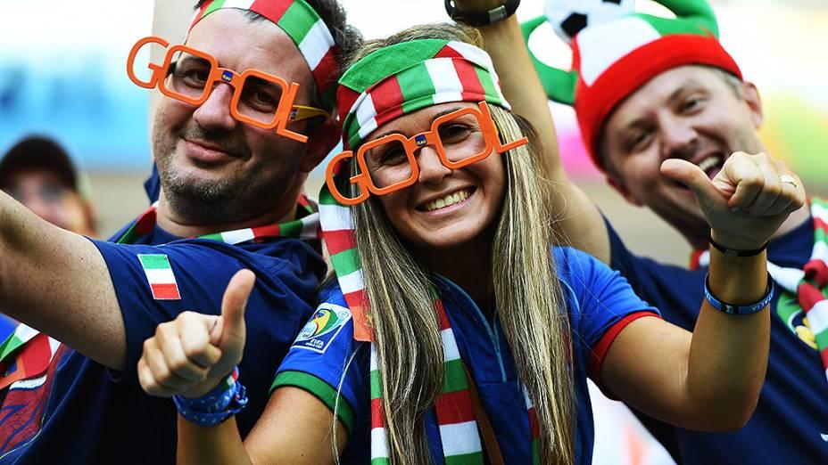 Torcedores da Itália antes do jogo contra a Inglaterra, em Manaus