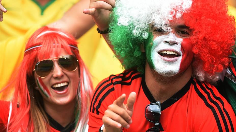 Torcida mexicana fez muito barulho e roubou a cena do público cearense no empate entre Brasil e México, no Castelão