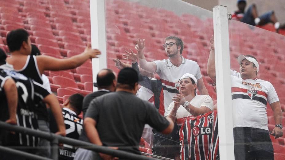 Torcedores antes do início da partida entre São Paulo e Corinthians