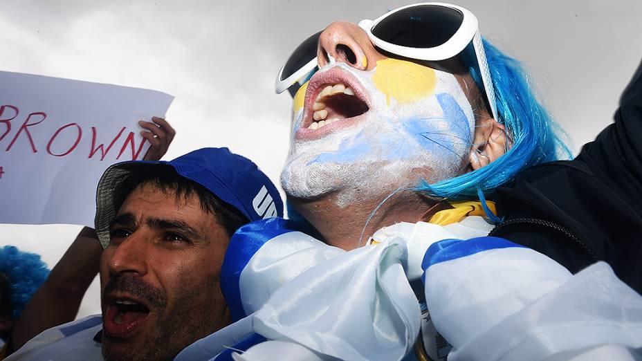 Torcedor do Uruguai chega no Itaquerão para o jogo contra a Inglaterra, em São Paulo