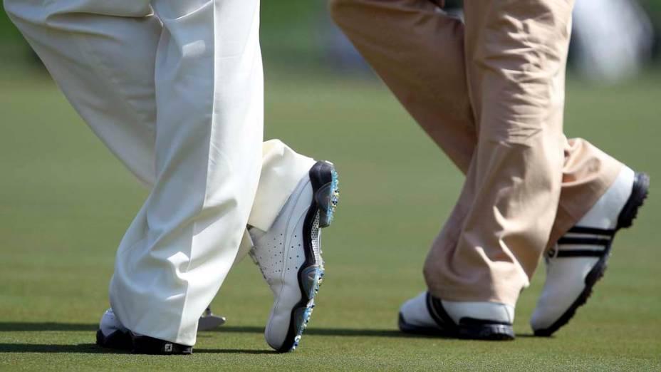 O alemão Martin Kaymer e o inglês Lee Westwood participam de torneio de golfe em Dubai, nos Emirados Árabes