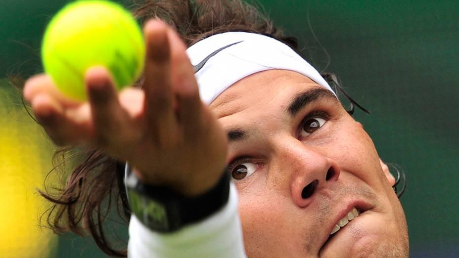 Rafael Nadal na primeira rodada do torneio de tênis de Wimbledon contra o brasileiro Thomaz Bellucci
