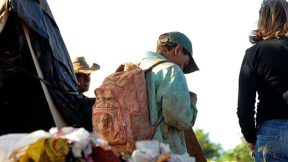 Lixão da Estrutural, a 15 quilômetros da região central de Brasília, concentra o maior número de casos de exploração do trabalho de crianças e adolescentes