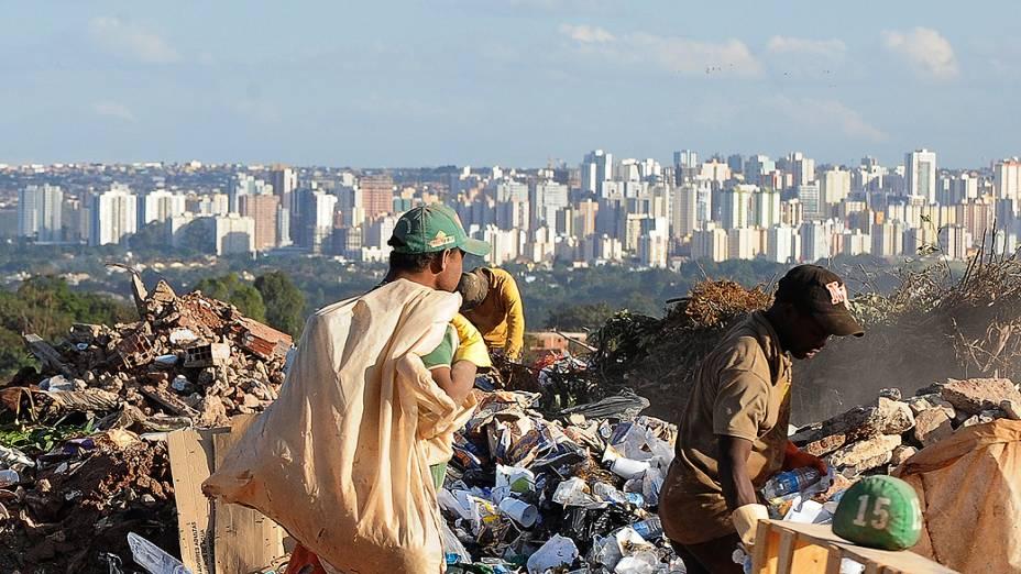 Hoje é o Dia mundial de combate ao trabalho infantil. Atualmente há no Brasil mais de 4 milhões de crianças e adolescentes trabalhando