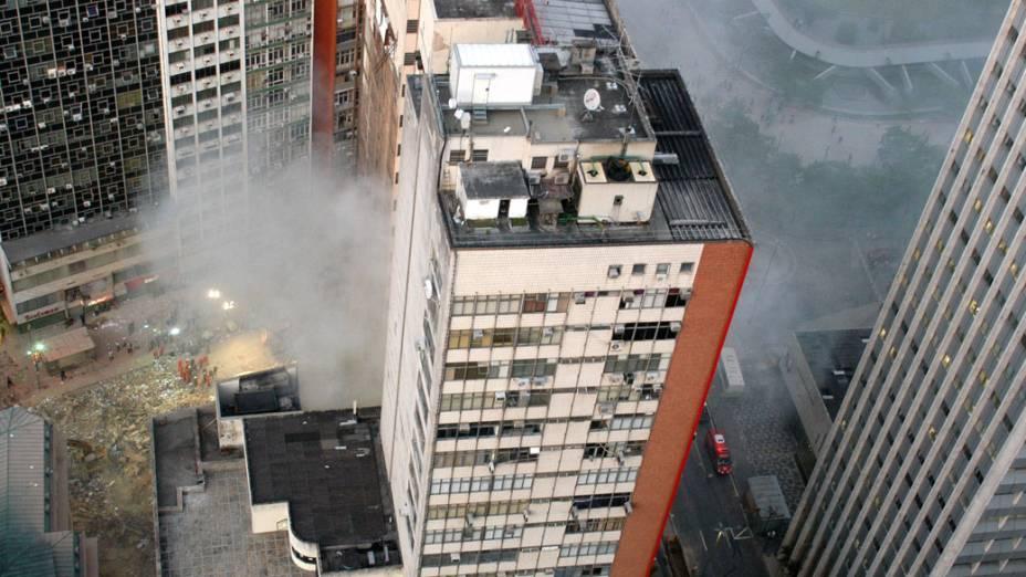 Manhã seguinte do desabamento de 3 prédios no Rio de Janeiro, na noite do dia 25 de janeiro