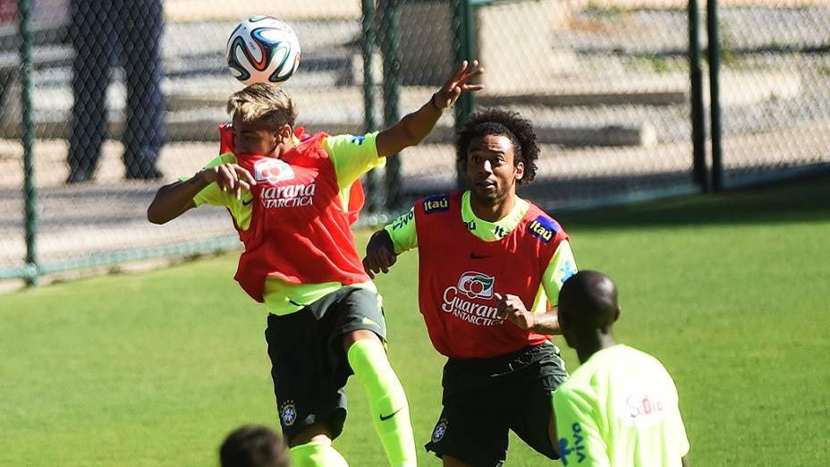 Jogadores durante treino em Belo Horizonte