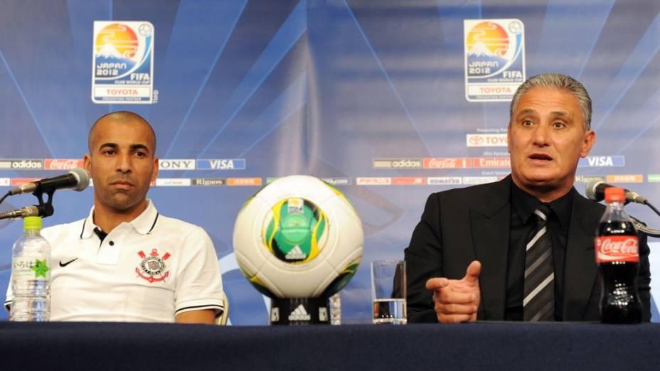 Emerson e Tite em entrevista em Nagoya, no Japão, antes da estreia no Mundial de Clubes