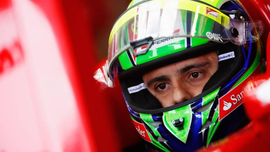 O brasileiro Felipe Massa, da Ferrari, prepara-se para o treino classificatório do GP de F1 do Canadá