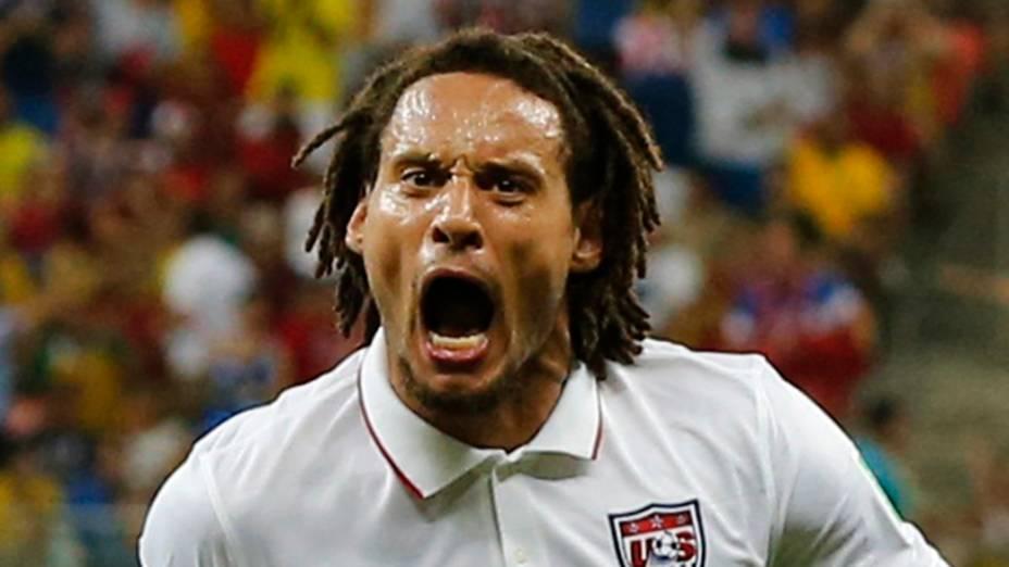 O jogador da Seleção americana,Jermaine Jones, comemera gol em partida contra Portugal, na arena Amazônia, em Manaus