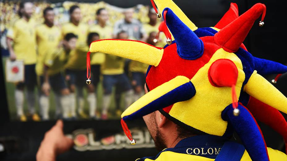 Torcedor da Colômbia acompanha treino do Brasil no Itaquerão, em São Paulo