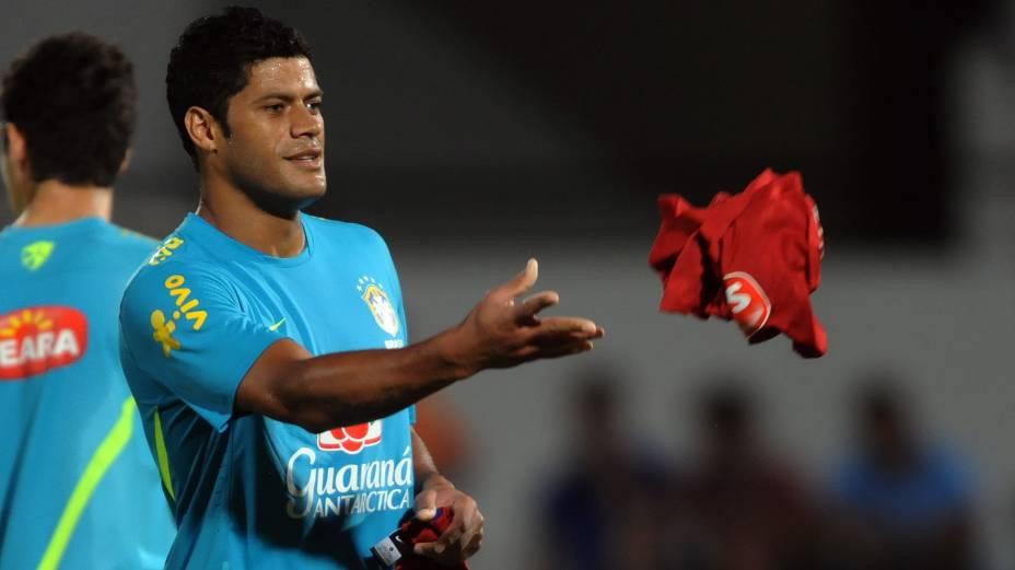 Hulk no treino da seleção no Estádio do Arruda, no Recife