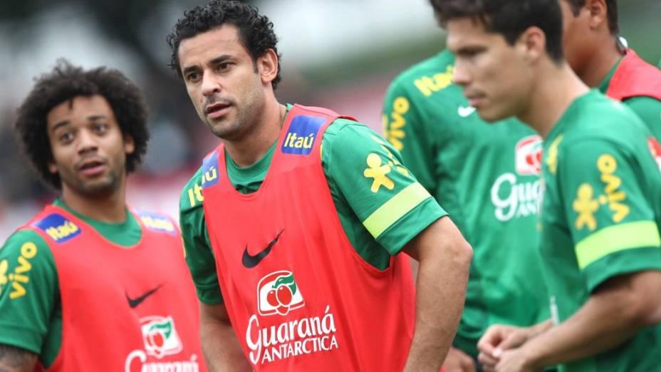 Marcelo, Fred e Hernanes no treino da seleção nesta sexta