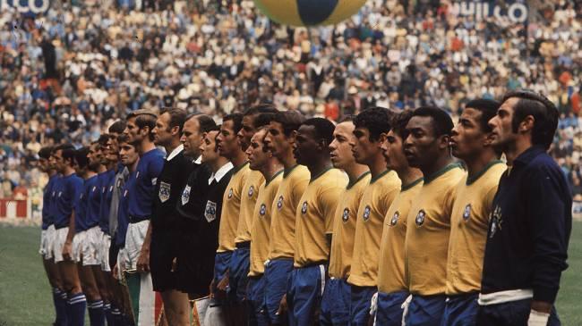As seleções da Itália e do Brasil antes do início da decisão da Copa do Mundo do México-1970