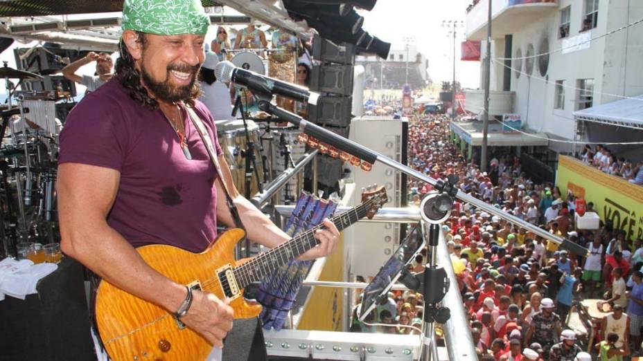 Trio do Chiclete com Banana em Salvador, em 17/02/2012