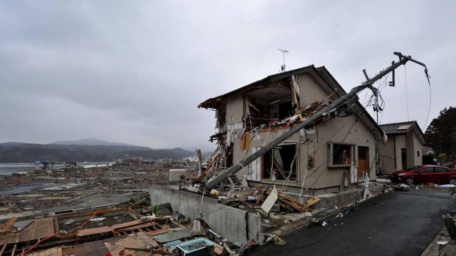 Devastação em Miyagi, após o terremoto e tsunami que atingiram a costa nordeste do Japão