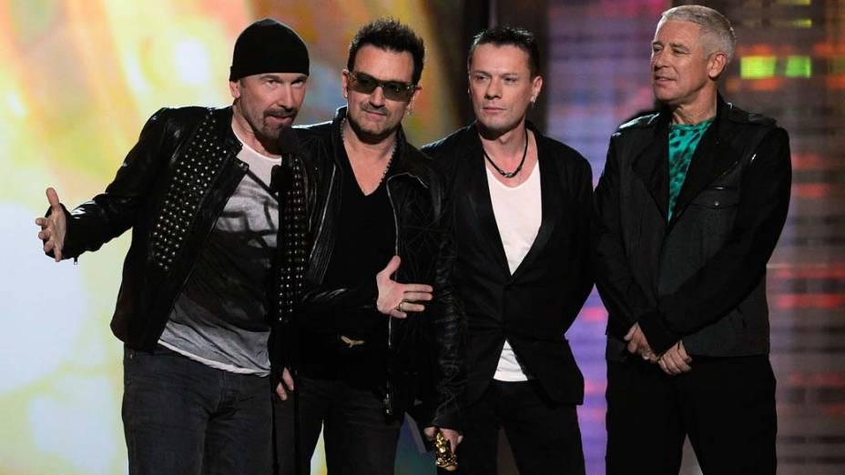 U2 fatura o prêmio de melhor turnê no Billboard Music Awards 2011