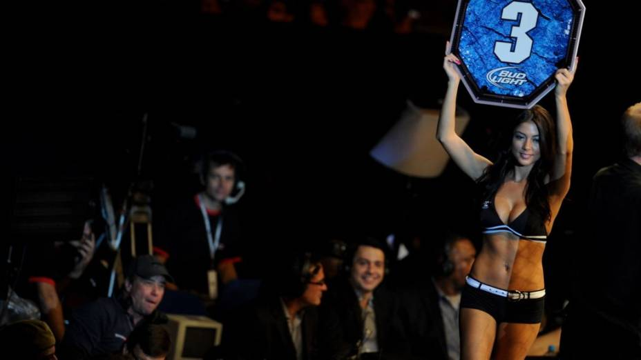 A ring girl Arianny Celeste no UFC 147, em Belo Horizonte