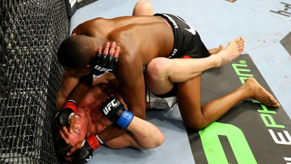 UFC 159: Jon Jones x Chael Sonnen, em Nova Jersey