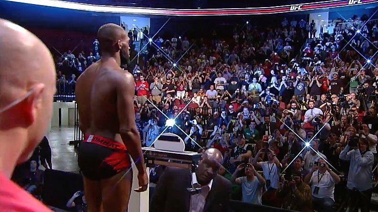 Pesagem do UFC 159, Jon Jones x Chael Sonnen