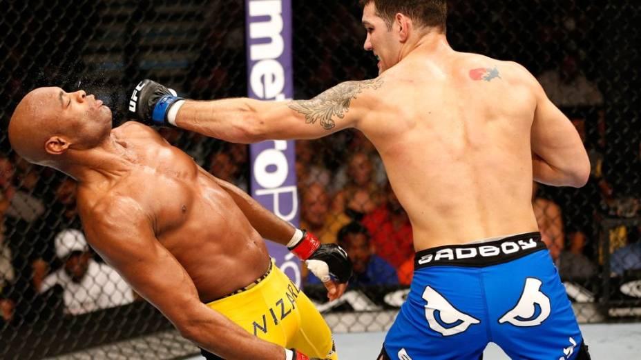 Chris Weidman nocauteou Anderson Silva no UFC 162, em Las Vegas, EUA
