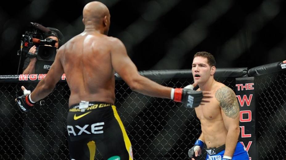 Anderson Silva é nocauteado por Chris Weidman no UFC 162, em Las Vegas